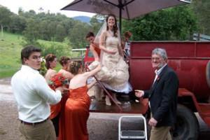 brucewedding_arrival